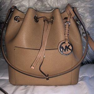 Micheal Kors Bucket Bag